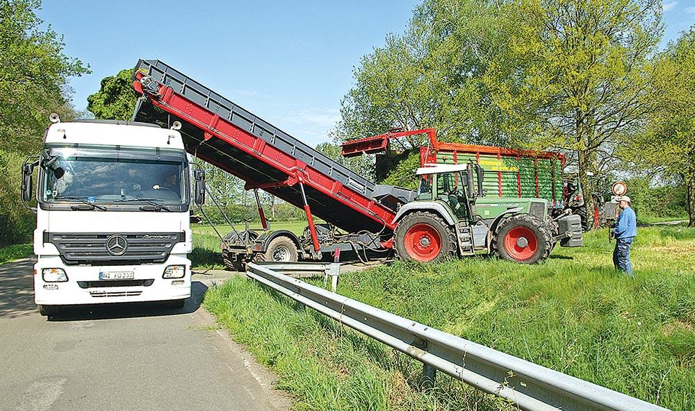 Mit einer Höhe von bis zu 6 Metern können Lkw einfach unter dem Überlader durchfahren.